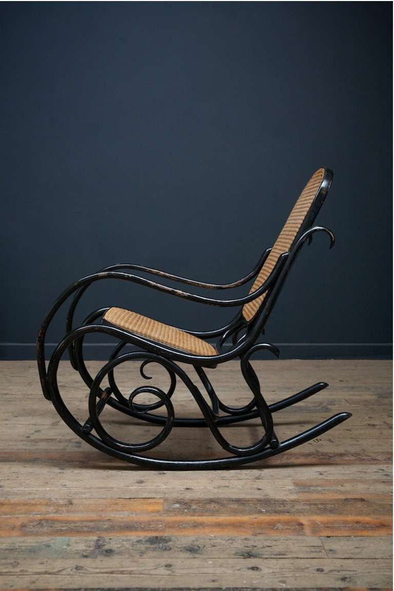 thonet rocking chair no 10 at 1stdibs. Black Bedroom Furniture Sets. Home Design Ideas