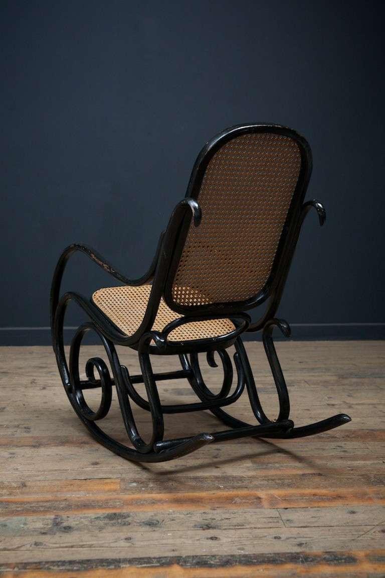 Thonet Rocking Chair No 10 At 1stdibs