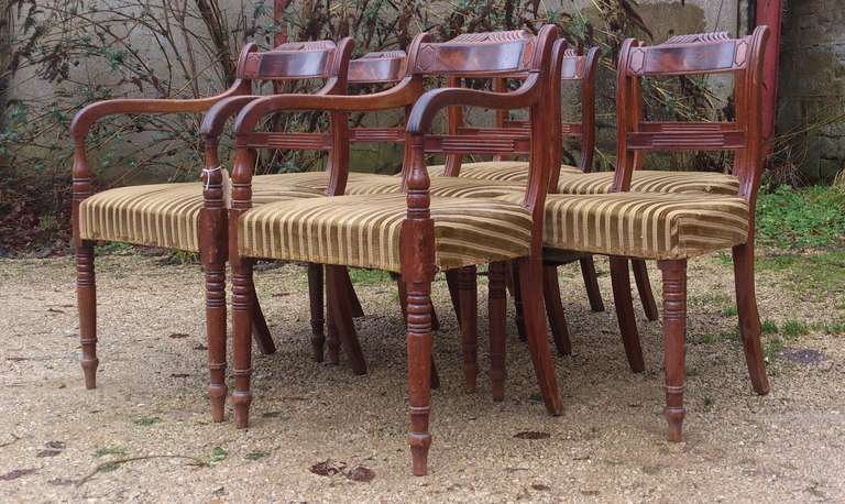 Set of 8 Mahogany Antique Dining Chairs In Good Condition For Sale In Gloucestershire, GB