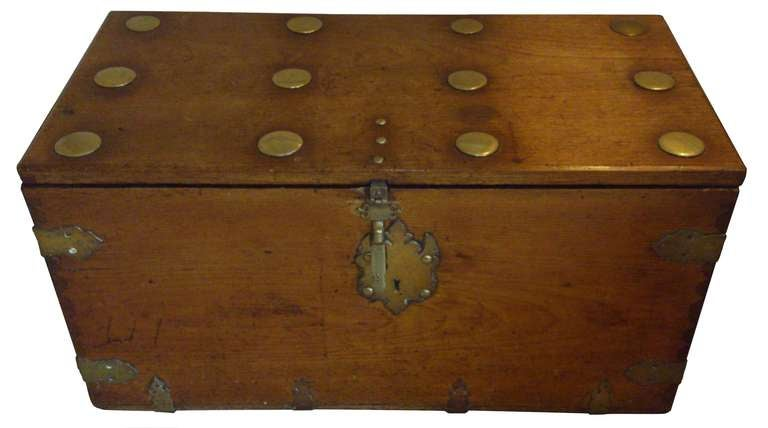 Antique coffer seaman 39 s chest at 1stdibs for Seamans furniture