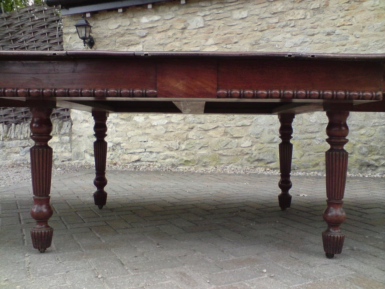 Early 19th Century Regency Mahogany Antique Dining Table in Manner of Gillow For Sale 1