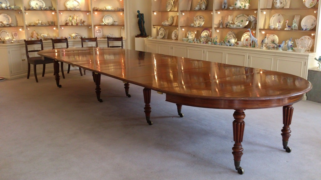 Absolutely Fabulous Extending Antique Dining Table Made By Gillow Of Lancaster From The Finest Dense Grained