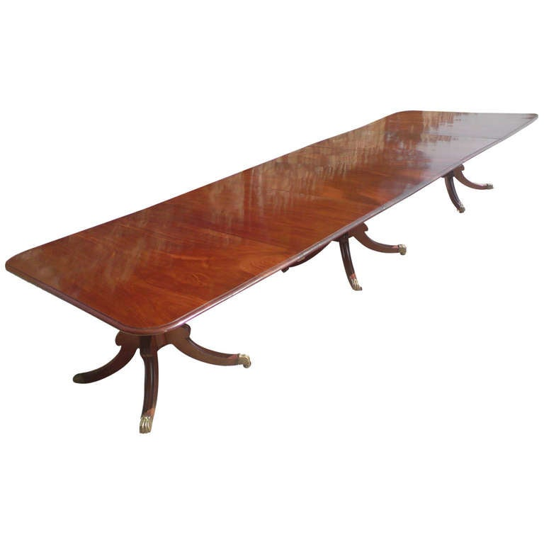 Antique mahogany three pillar dining table at 1stdibs for Pillar dining table