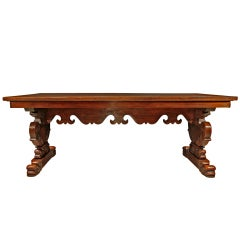 Italian Early 19th Century Solid Walnut Dining Table