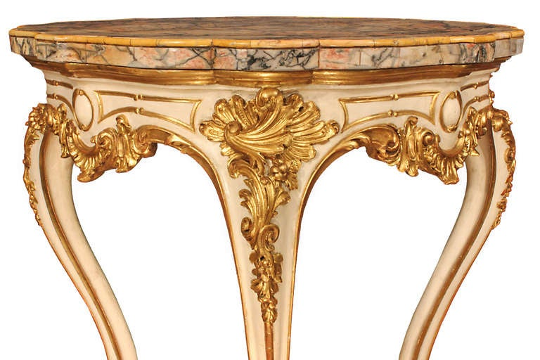 Italian Early 19th Century Louis XV Style Patinated and Gilt Center Table In Excellent Condition For Sale In West Palm Beach, FL
