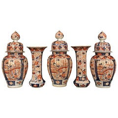 19th Century Garniture Set of Five Imari Porcelain Vases and Lidded Urns