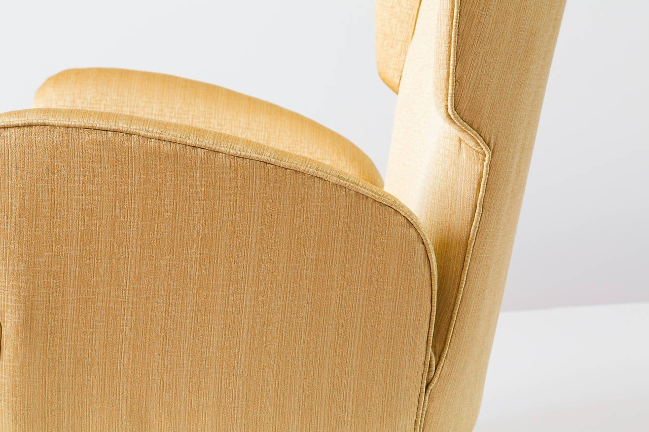 Elegant Italian Modern Yellow Armchair by Isa Bergamo, 1950 For Sale 1