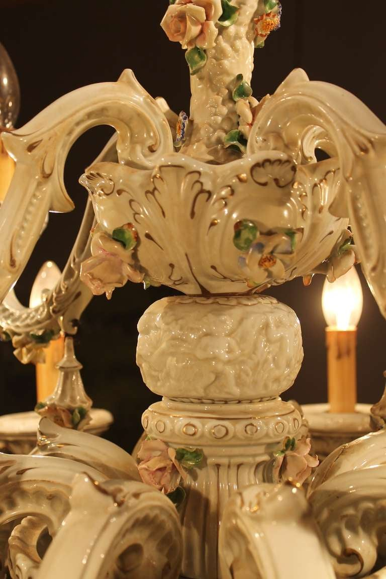 Italian 19th Century Two-Tiers Capodimonte Porcelain Chandelier with Roses For Sale 4