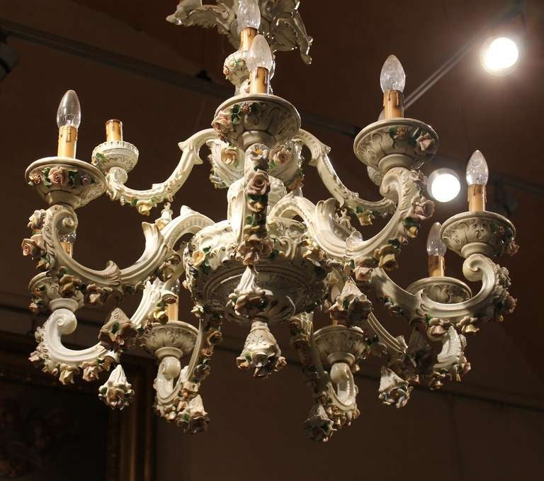 Italian 19th Century Two-Tiers Capodimonte Porcelain Chandelier with Roses For Sale 1