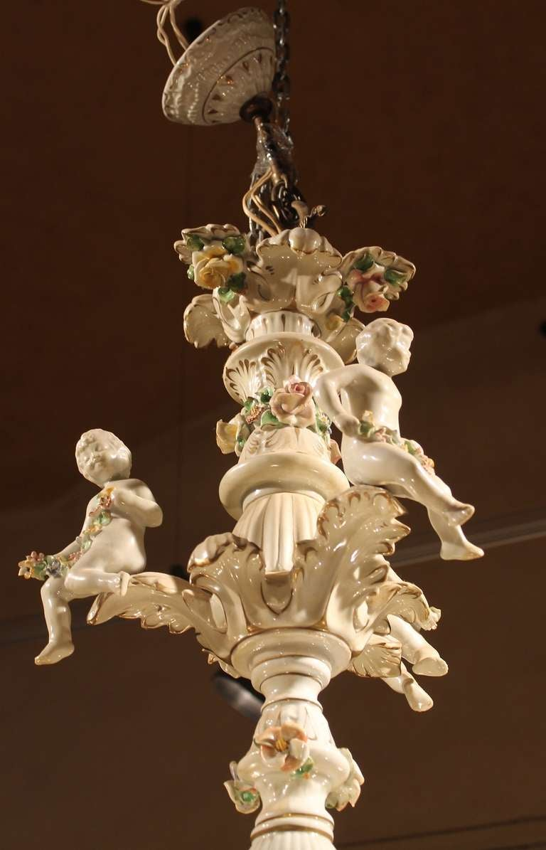 Italian 19th Century Two-Tiers Capodimonte Porcelain Chandelier with Roses For Sale 3