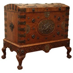 Chippendale Style English 18th Century Burr Walnut Veneer Travel Dome Top Trunk