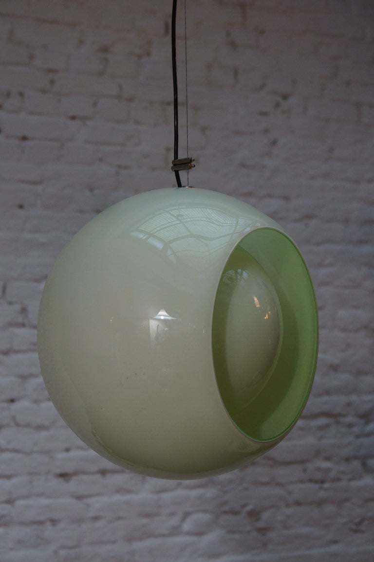 Globe Pendant by Carlo Nason for Mazzega In Good Condition For Sale In Antwerp, BE
