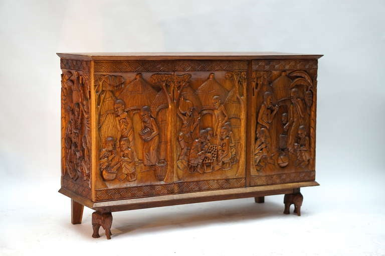 1950s Carved Wooden Cabinet from Zaïre For Sale 1