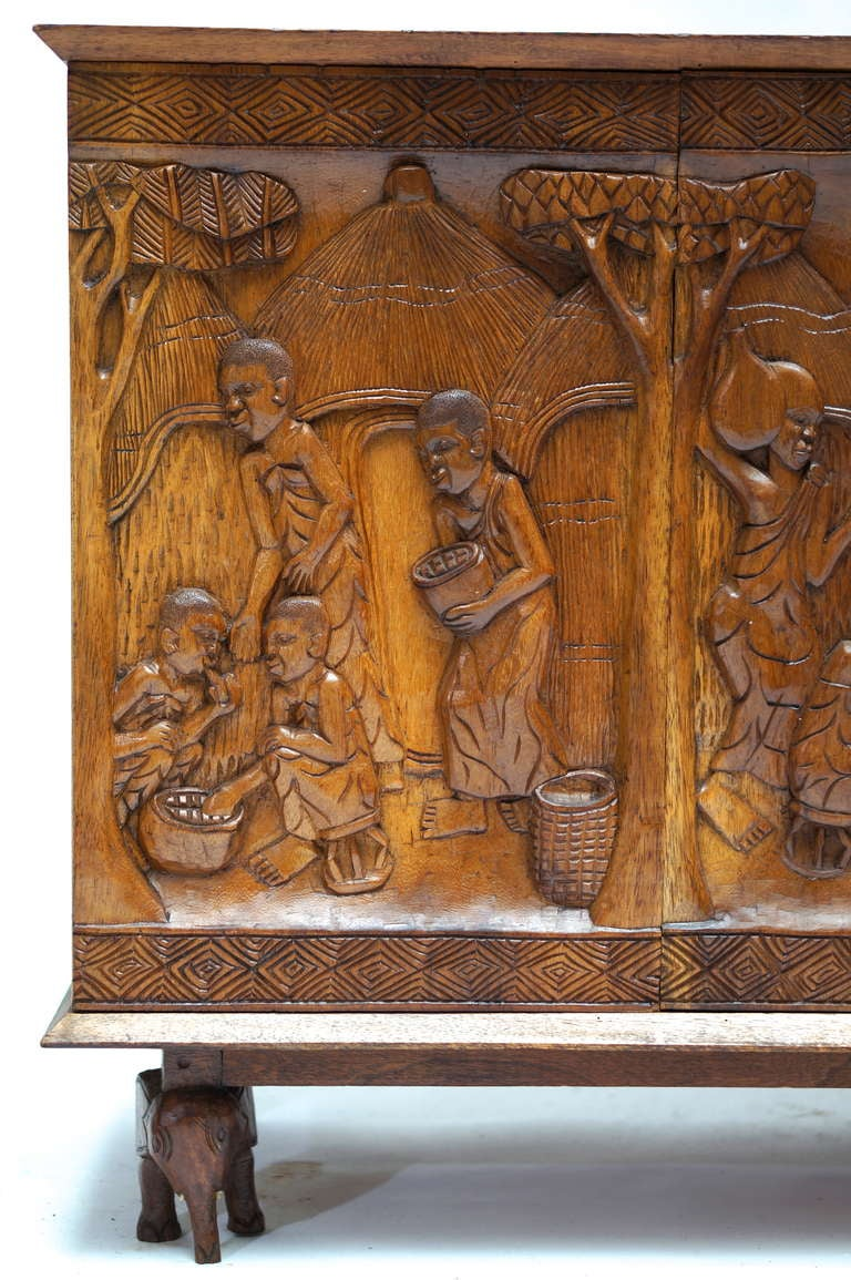 Mid-20th Century 1950s Carved Wooden Cabinet from Zaïre For Sale