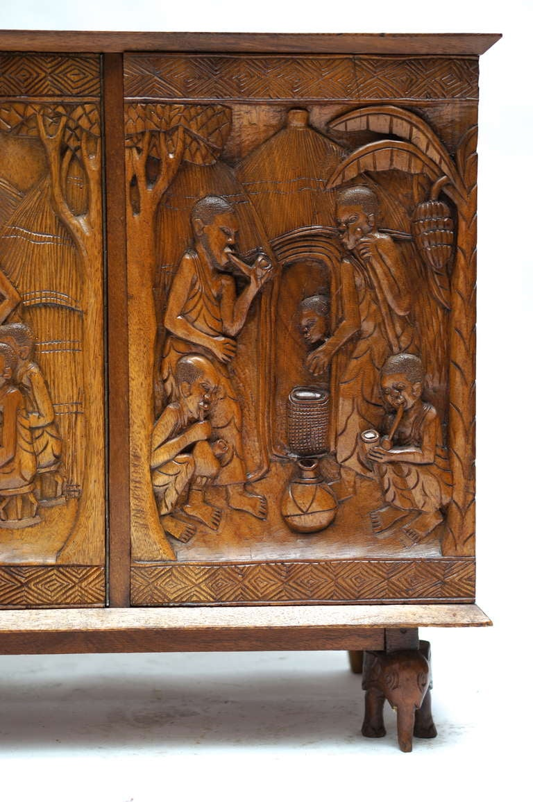 1950s Carved Wooden Cabinet from Zaïre For Sale 3