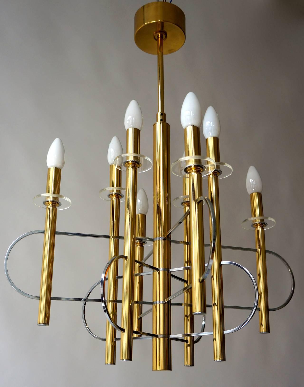 Sciolari chandelier.