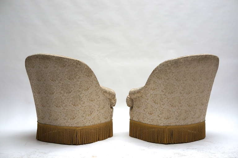 One of Two French Club or Lounge Chairs In Good Condition For Sale In Antwerp, BE
