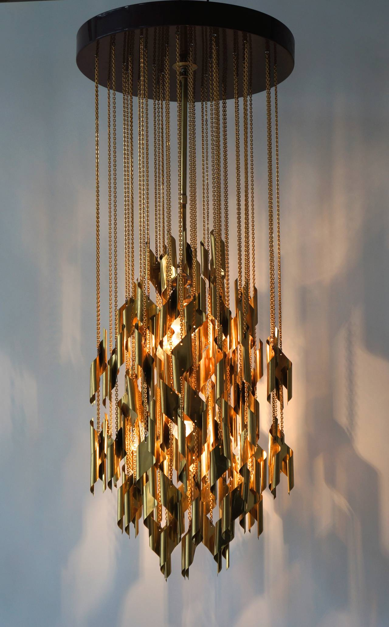 Mid-Century Modern Impressive and Beautiful Chandelier For Sale