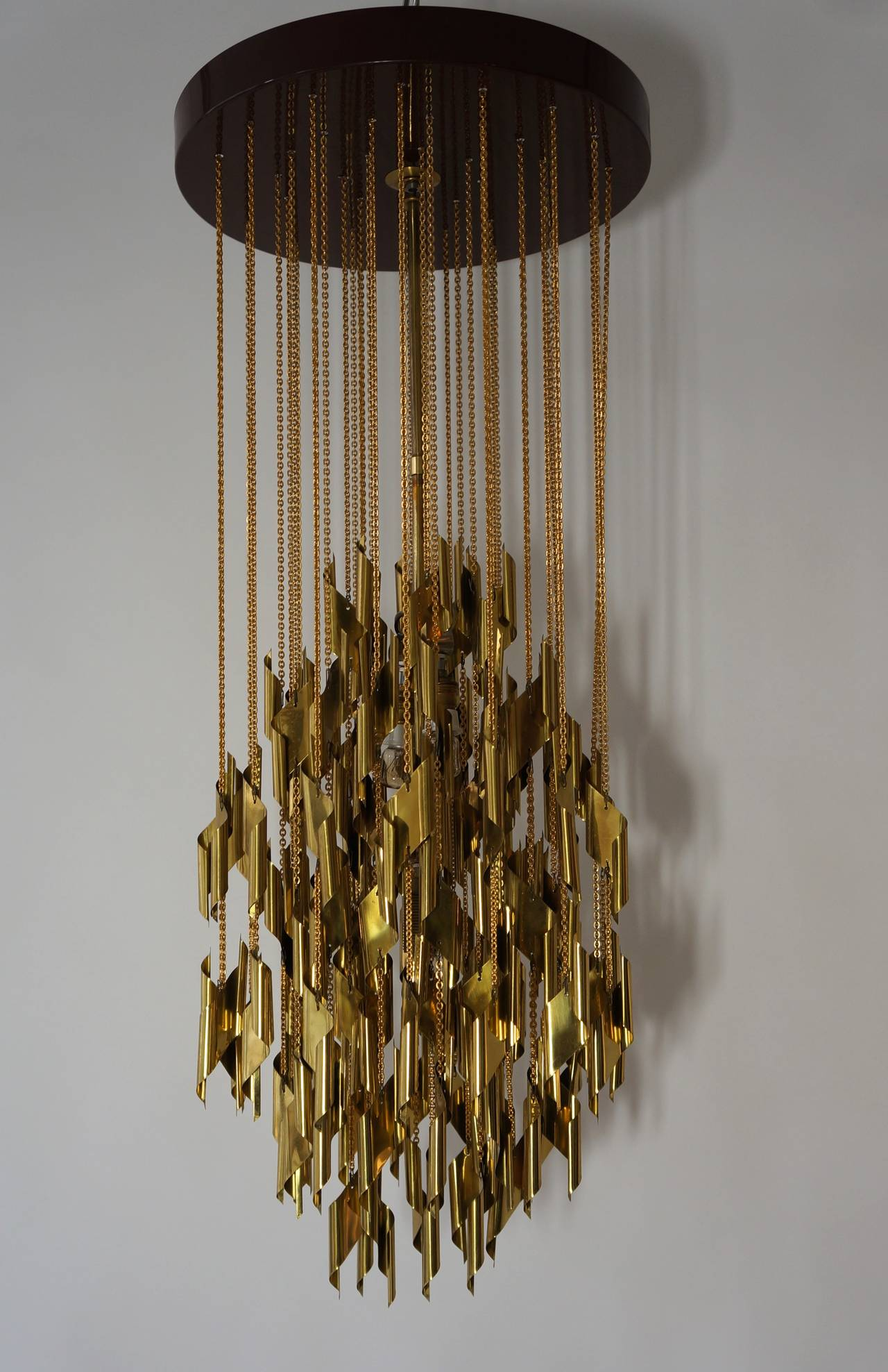 Impressive and Beautiful Chandelier For Sale 2