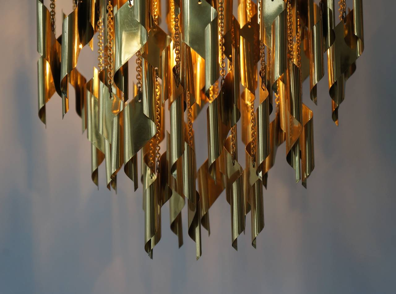 20th Century Impressive and Beautiful Chandelier For Sale