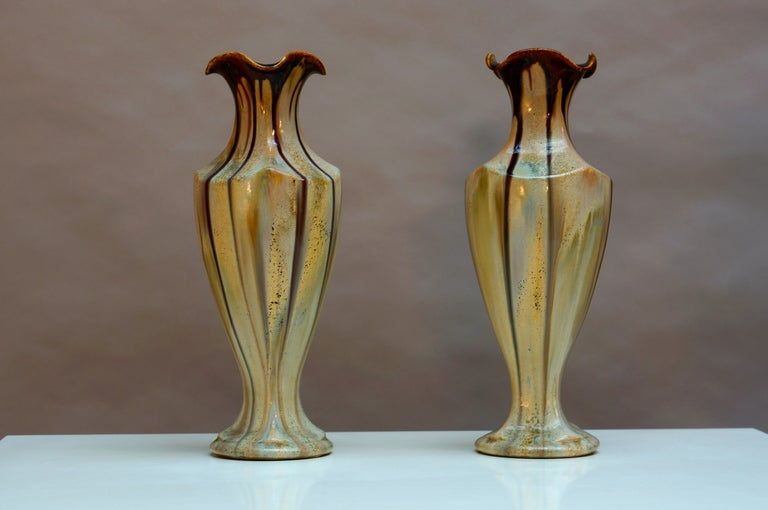Pair of Belgium Pottery Vases In Excellent Condition For Sale In Antwerp, BE
