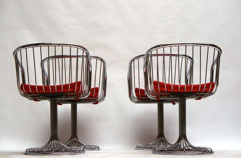 Mid-Century Modern Set of Two Dining or Lounge Chairs in the Style of Warren Platner For Sale