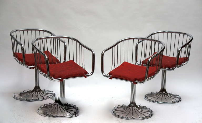 Metal Set of Two Dining or Lounge Chairs in the Style of Warren Platner For Sale