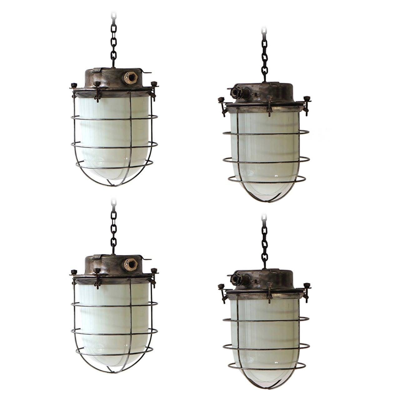 four vintage industrial hanging lamps for sale at 1stdibs. Black Bedroom Furniture Sets. Home Design Ideas