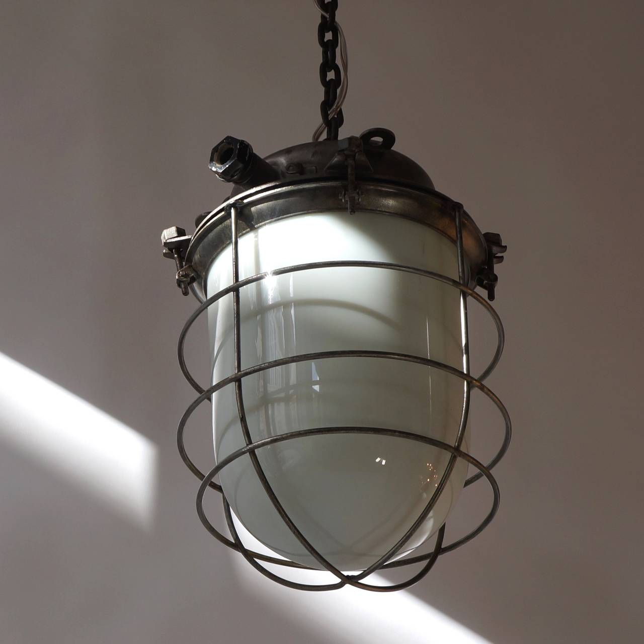 Four Vintage Industrial Hanging Lamps In Good Condition For Sale In Antwerp, BE