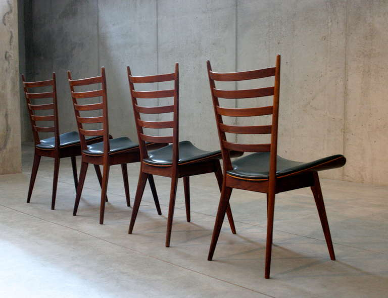 Mid-Century Modern Set of Four Mid-Century Dining Chairs For Sale