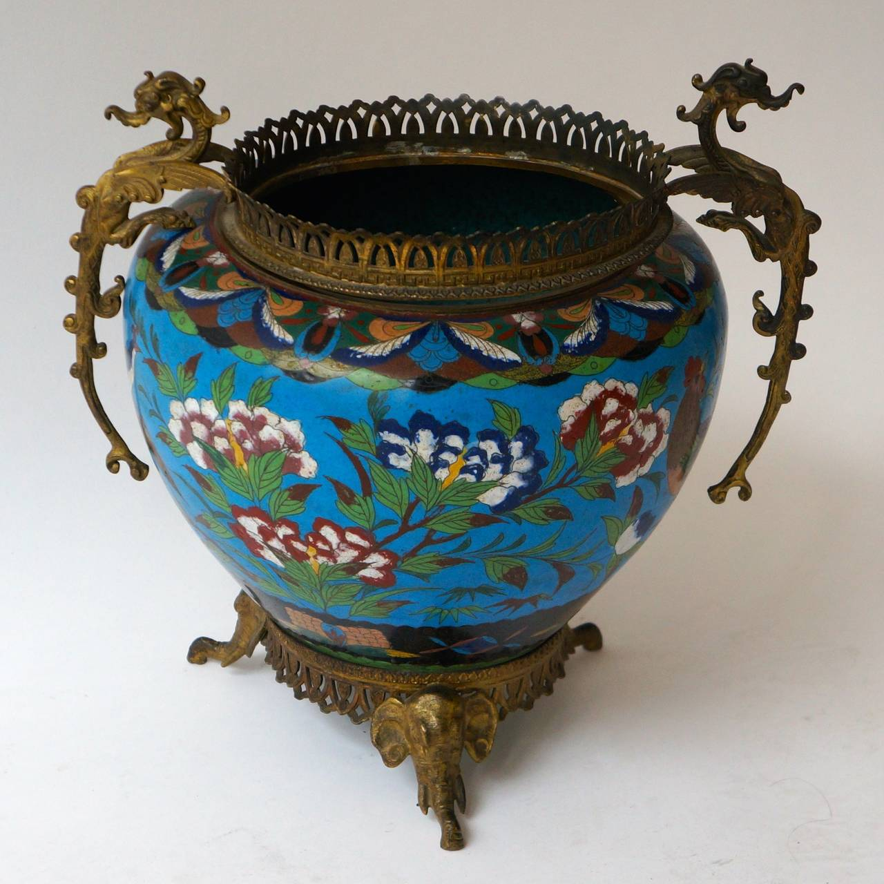 Large Chinese Cloisonné Jardinière or Planter Pot In Good Condition For Sale In Antwerp, BE