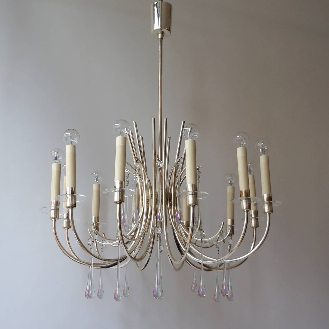 1970s modernist and polished aluminum ceiling fixture. 12 lights. Measures: Total height: 75 cm.