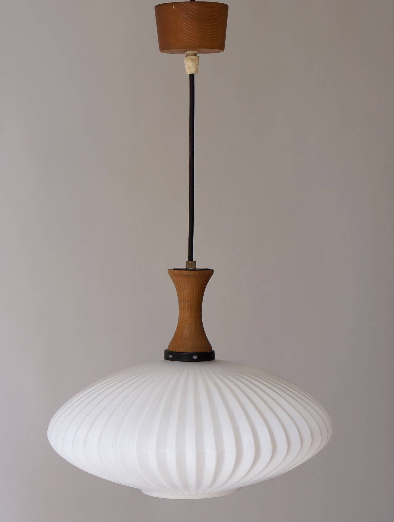 Mid-Century Danish Glass and Wood Chandelier or Pendant Light In Excellent Condition For Sale In Antwerp, BE