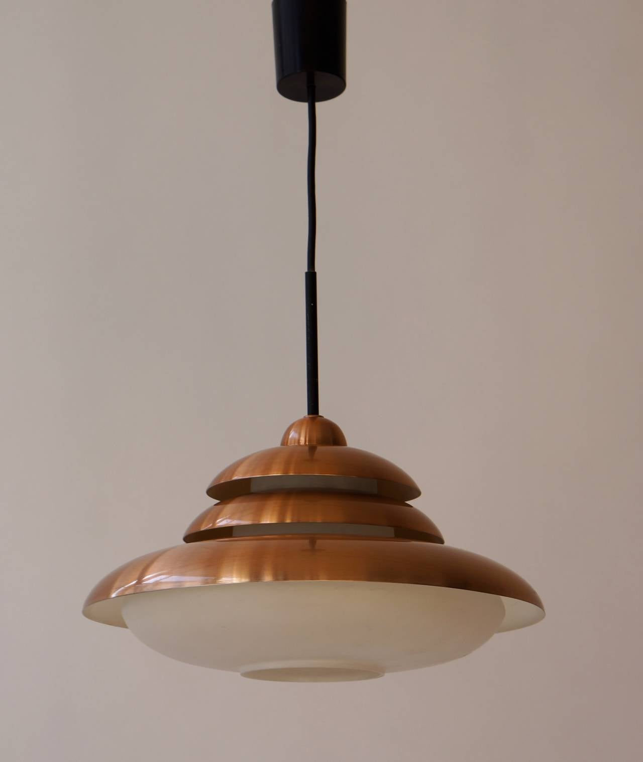 Doria Opaline and Copper Pendant Light In Good Condition For Sale In Antwerp, BE