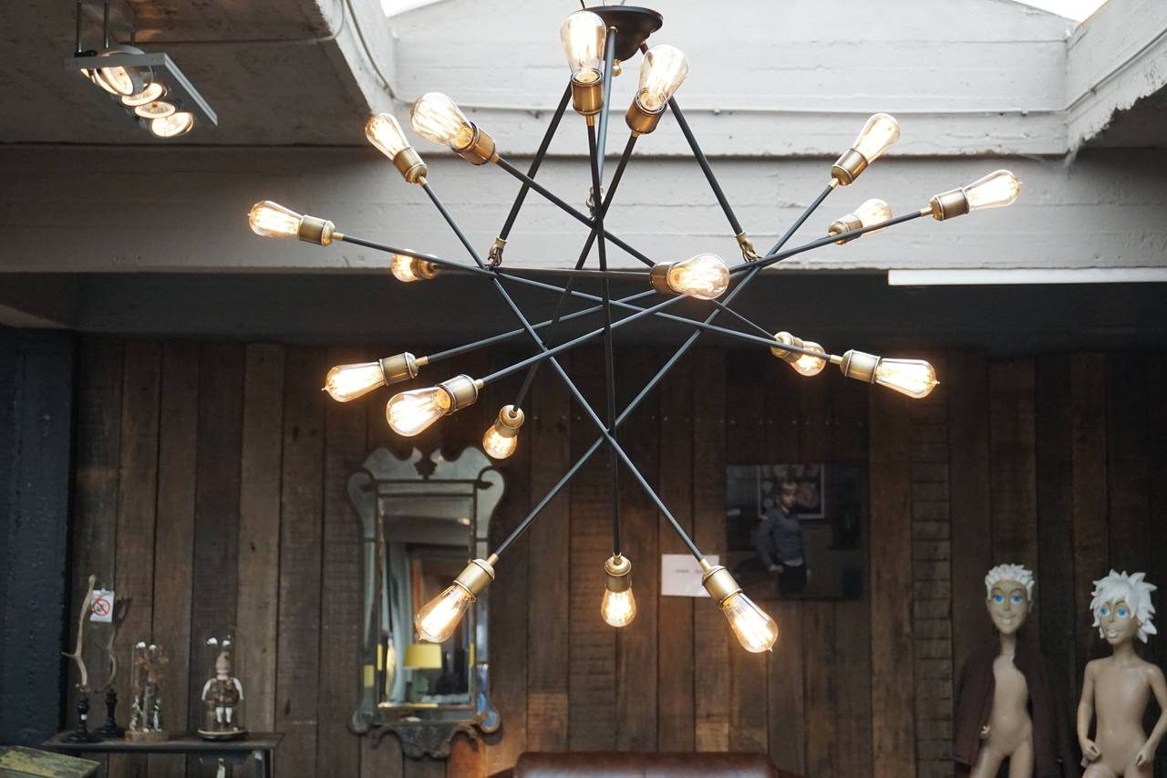 Two Large Italian 1950s Chandeliers In Excellent Condition In Antwerp, BE
