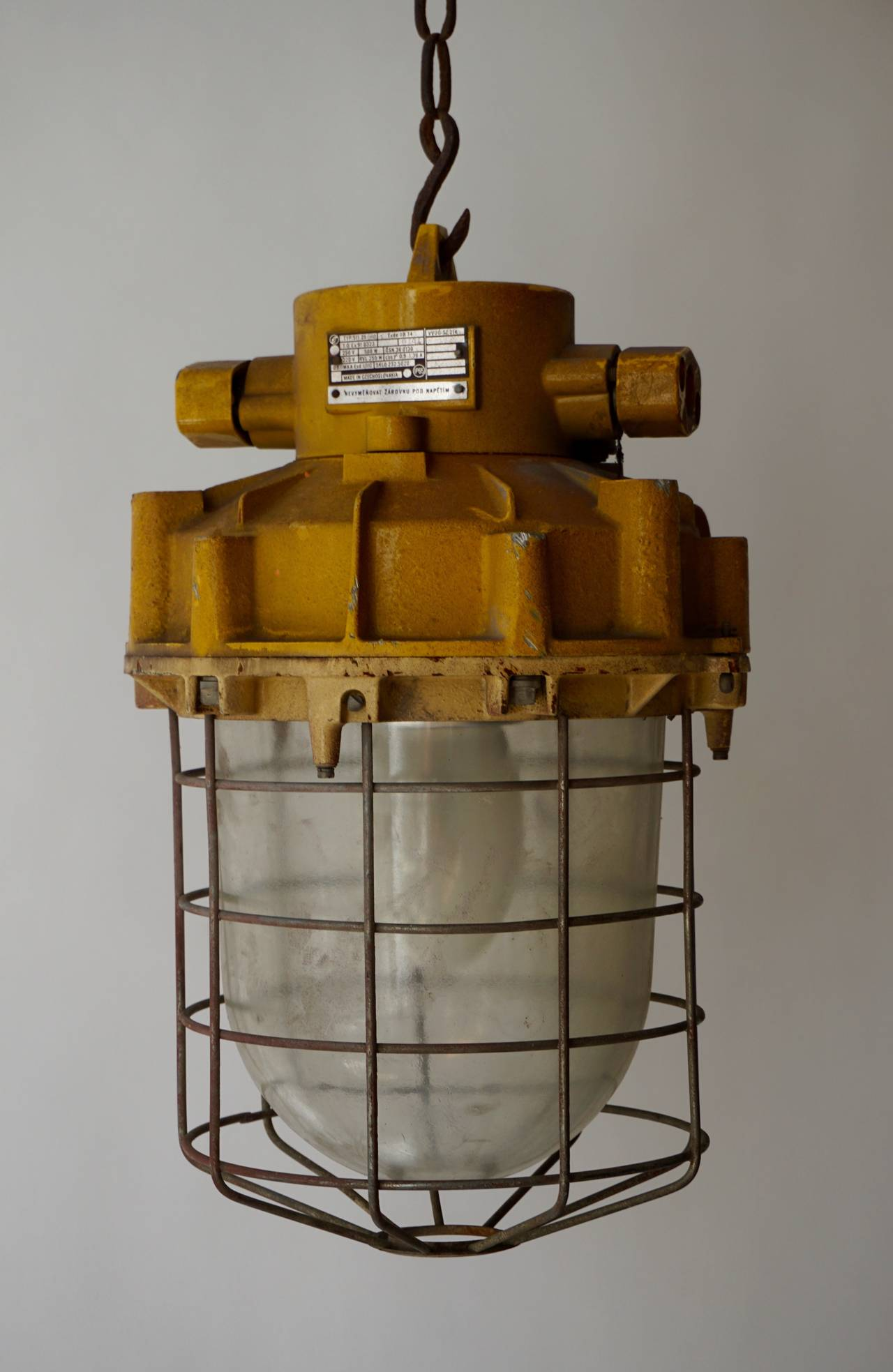 Set of Four Large Industrial Lights In Good Condition For Sale In Antwerp, BE
