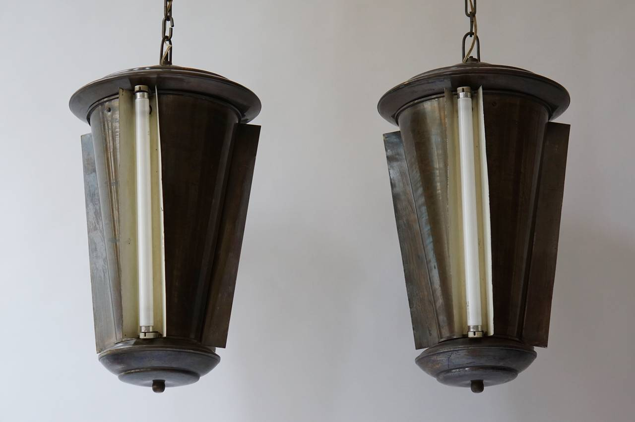 Set of Two Conical Industrial Lights In Good Condition For Sale In Antwerp, BE