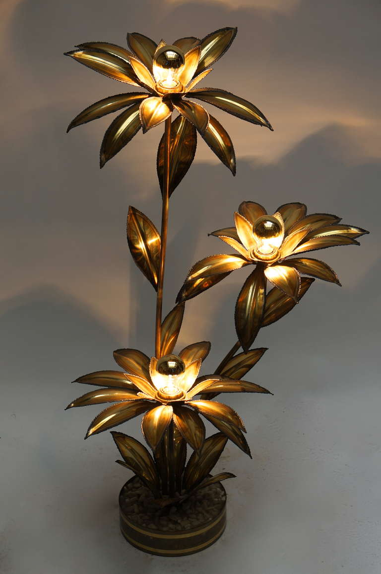 Flamboyant Brass Lamp In The Form Of A Sunflower In A Planter, With Leaves  Surrounding