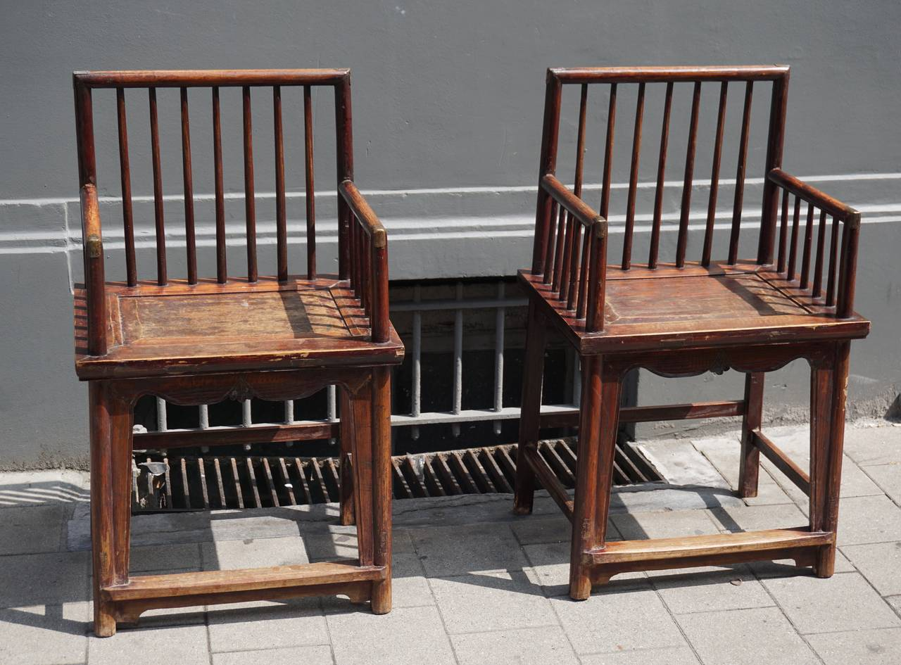 Chinese Export Set of Three Elegant Chinese Early 20th Century Spindle Back Chairs For Sale