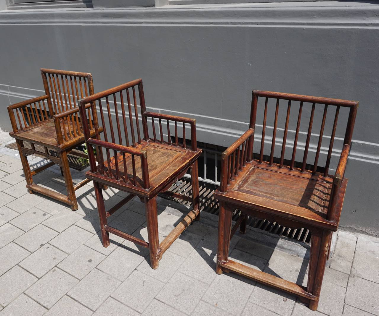 Set of Three Elegant Chinese Early 20th Century Spindle Back Chairs For Sale 3