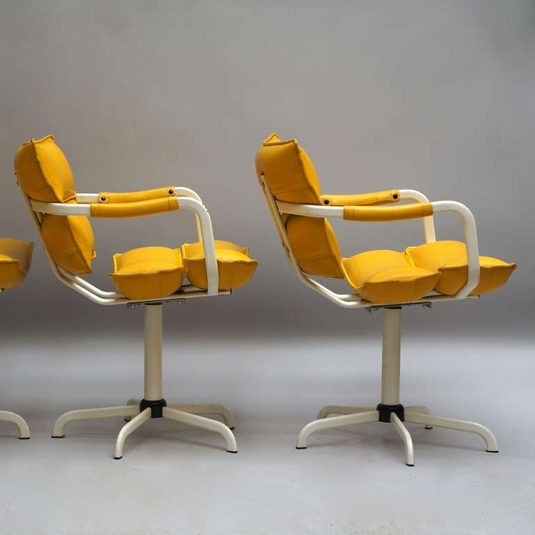 Mid-Century Modern Four Beautiful Swivel Chairs For Sale