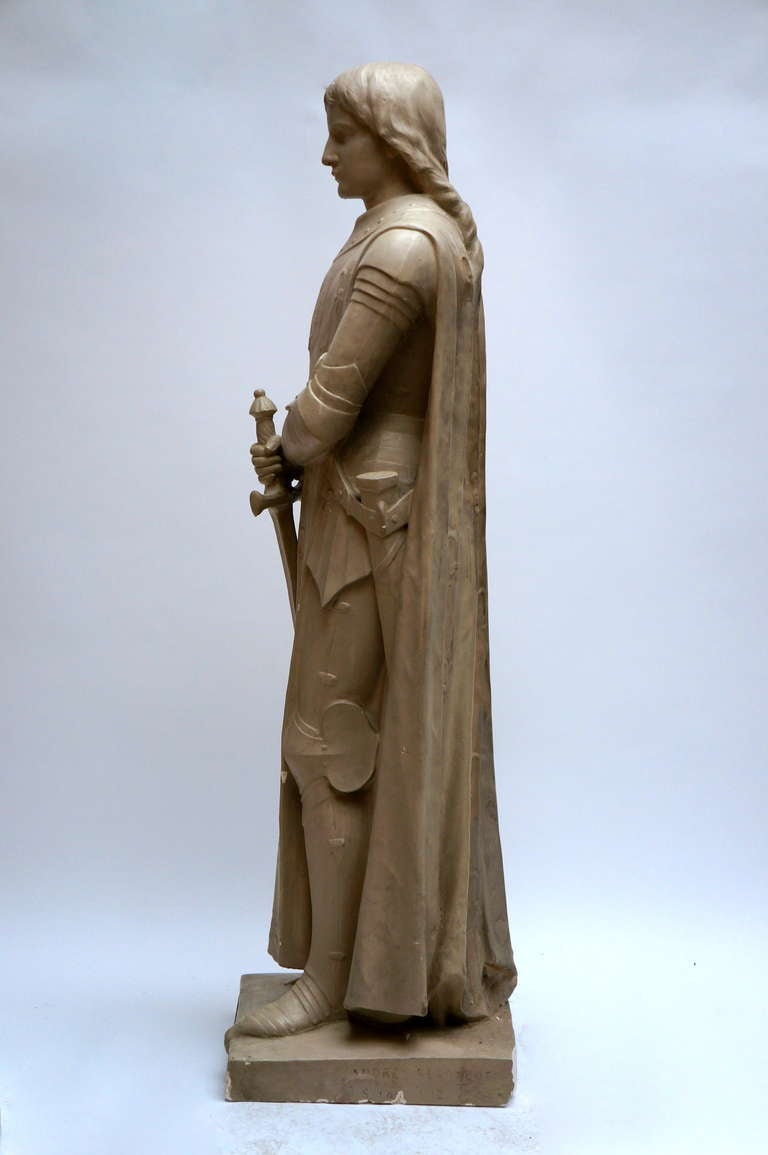Lifesize Plaster Sculpture Representing Jeanne d'Arc In Good Condition For Sale In Antwerp, BE