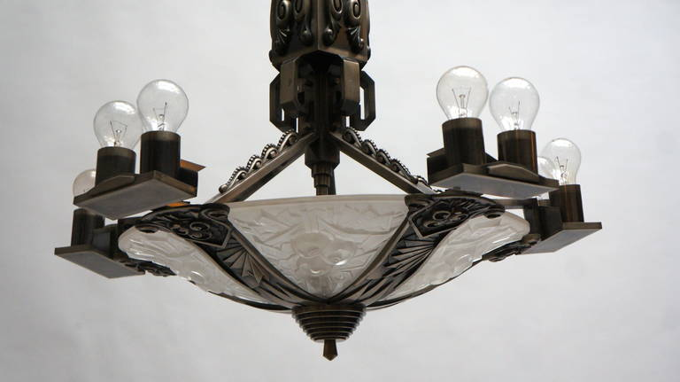 Large Bronze and Art Glass Art Deco Chandelier In Good Condition For Sale In Antwerp, BE