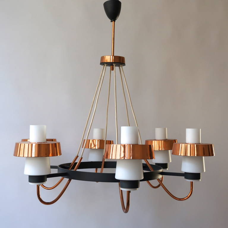 Glass Italian 1950s Chandelier For Sale
