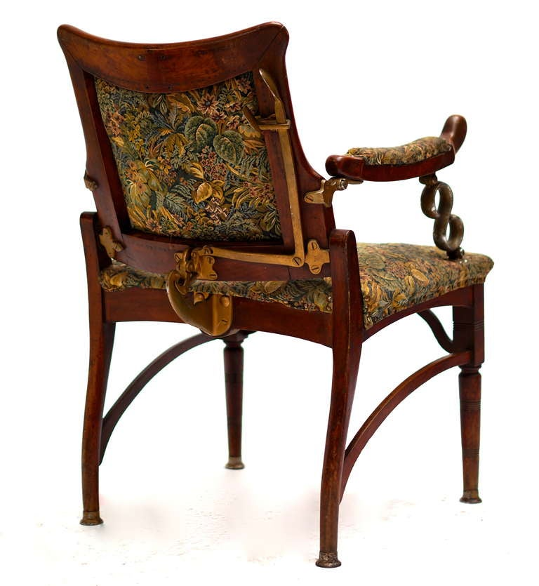 Italian Art Nouveau Barber Chair In Good Condition For Sale In Antwerp, BE