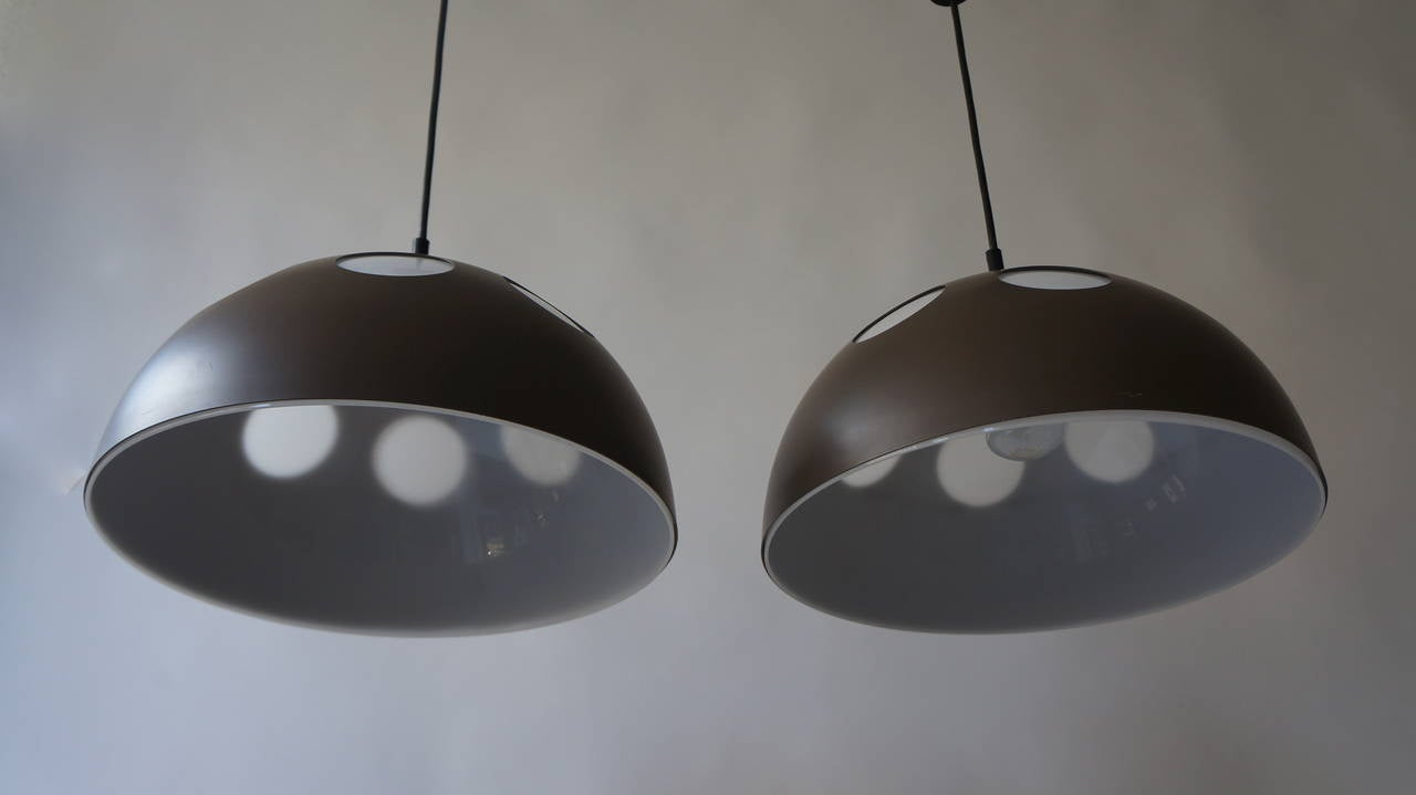 One of Two Pendant Lamps by RAAK In Good Condition For Sale In Antwerp, BE
