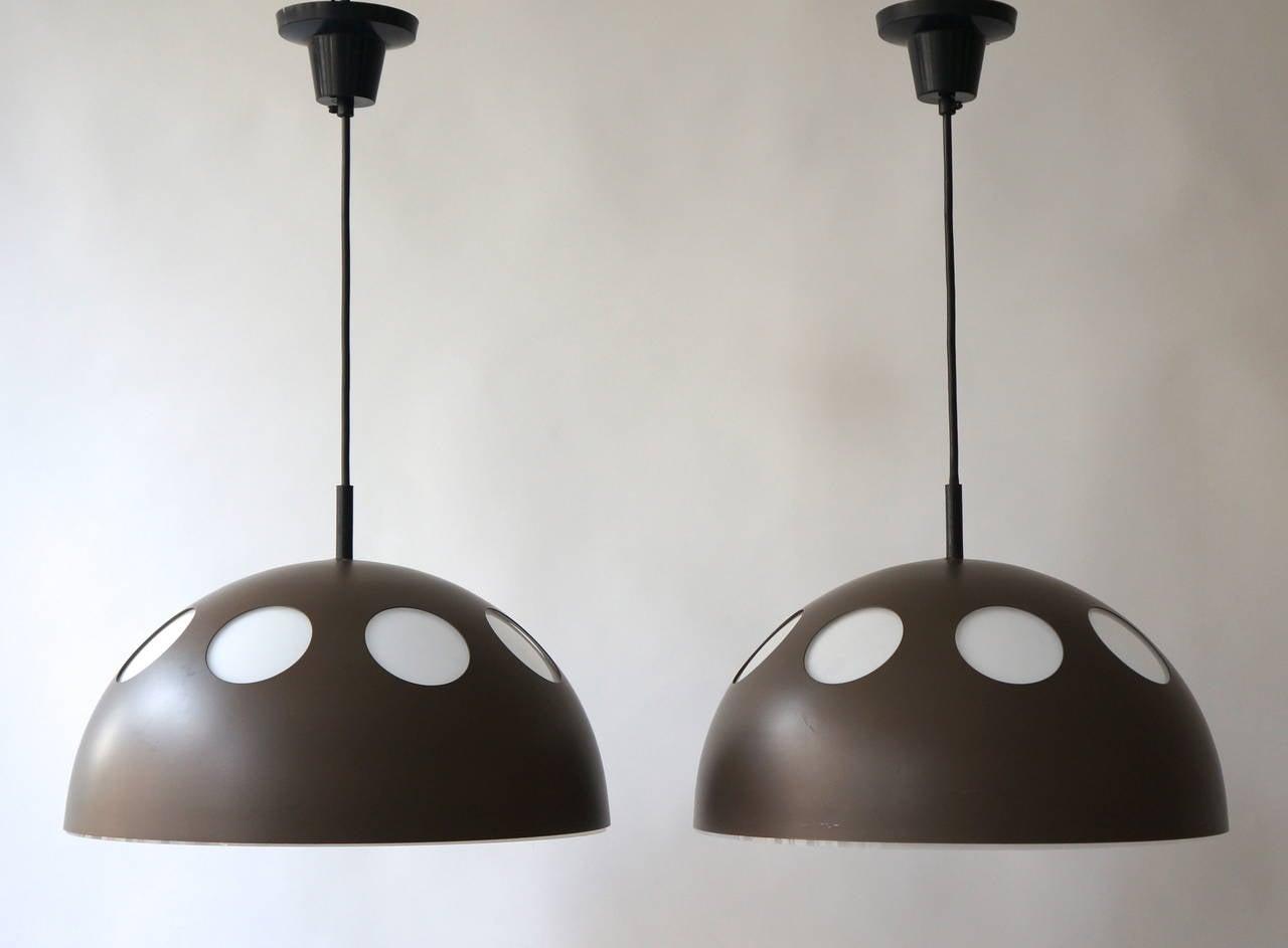 Two pendant lamps by RAAK, Amsterdam. Price per item.