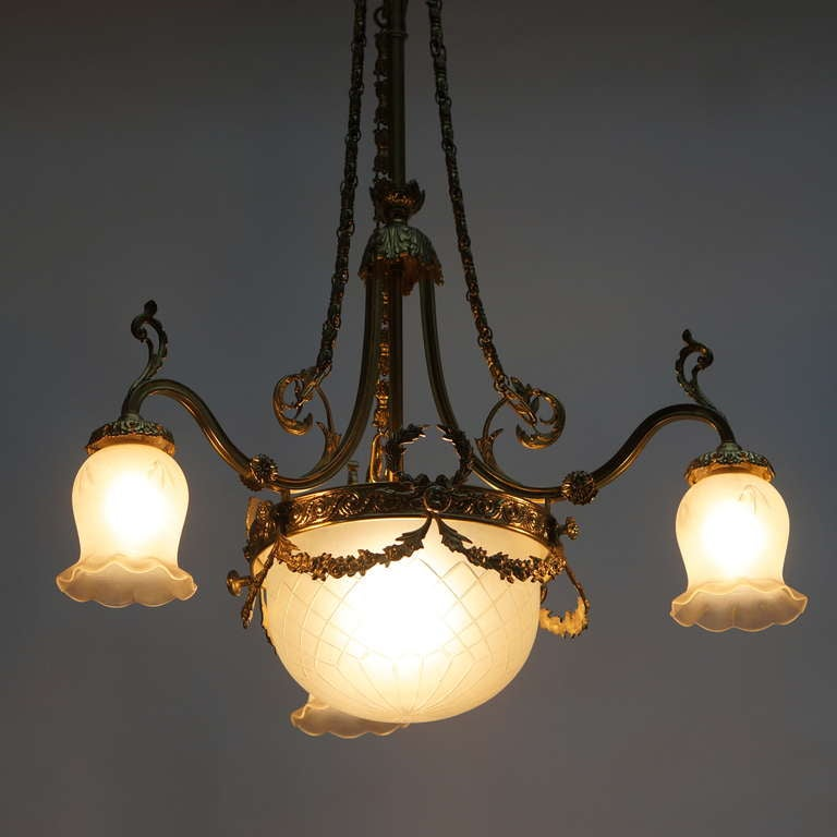 Italian Art Nouveau Brass and Glass Chandelier In Good Condition For Sale In Antwerp, BE