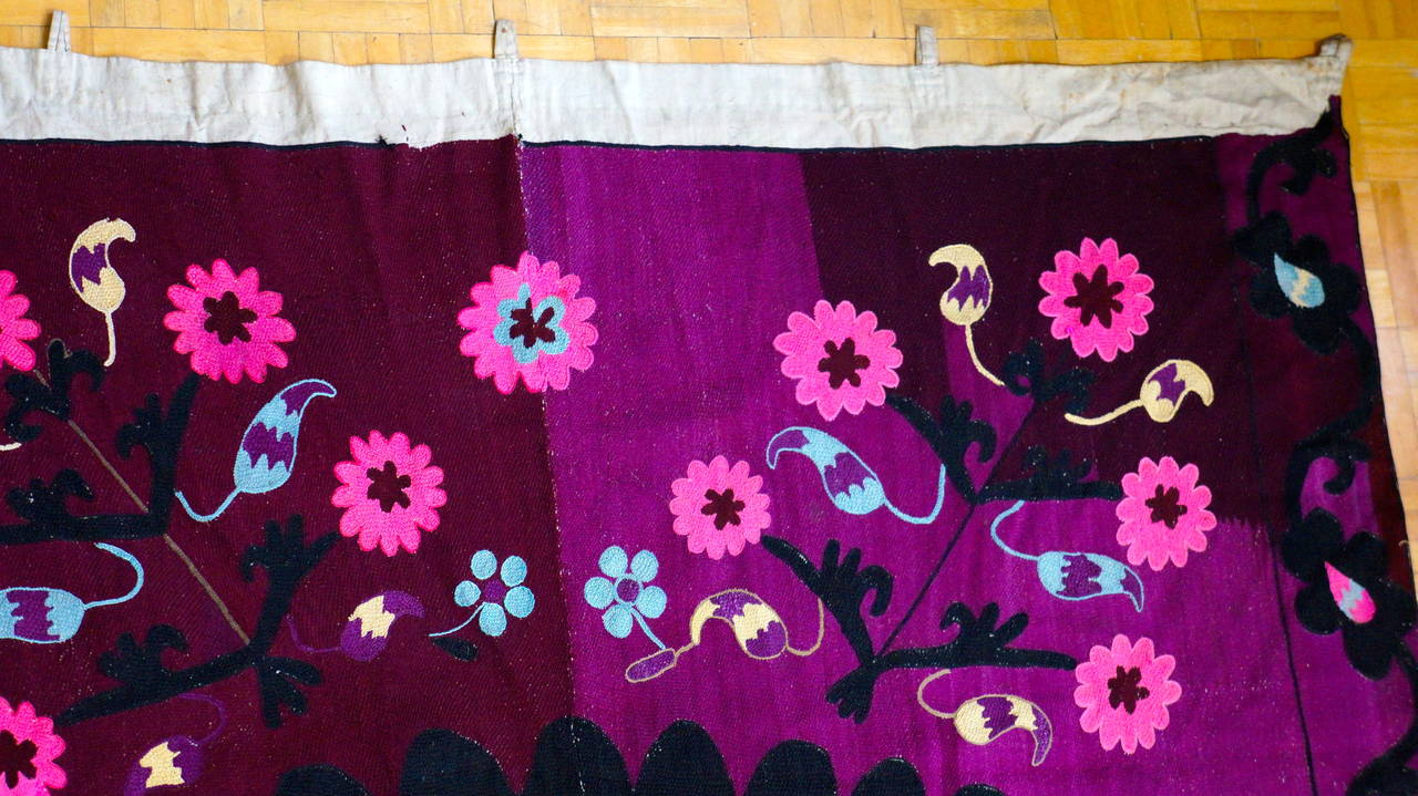 Cotton Vintage Central Asian Suzani, Embroidered Wall Hanging For Sale