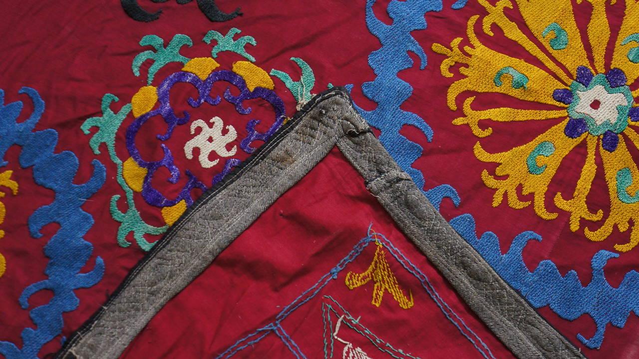 Large Vintage Uzbek Suzani Needlework Textile Blanket or Tapestry For Sale 1